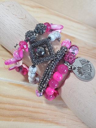 Living loud in Pink bracelet set