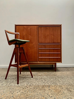 Parker lipped handle cocktail cabinet