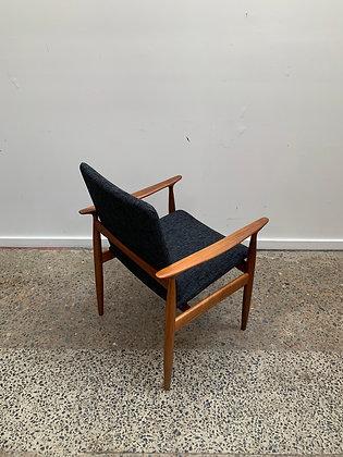 Parker carver chair
