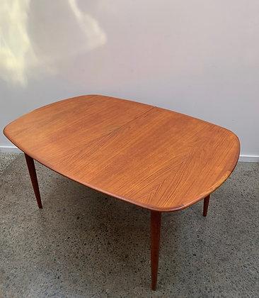 Parker Oblong Table