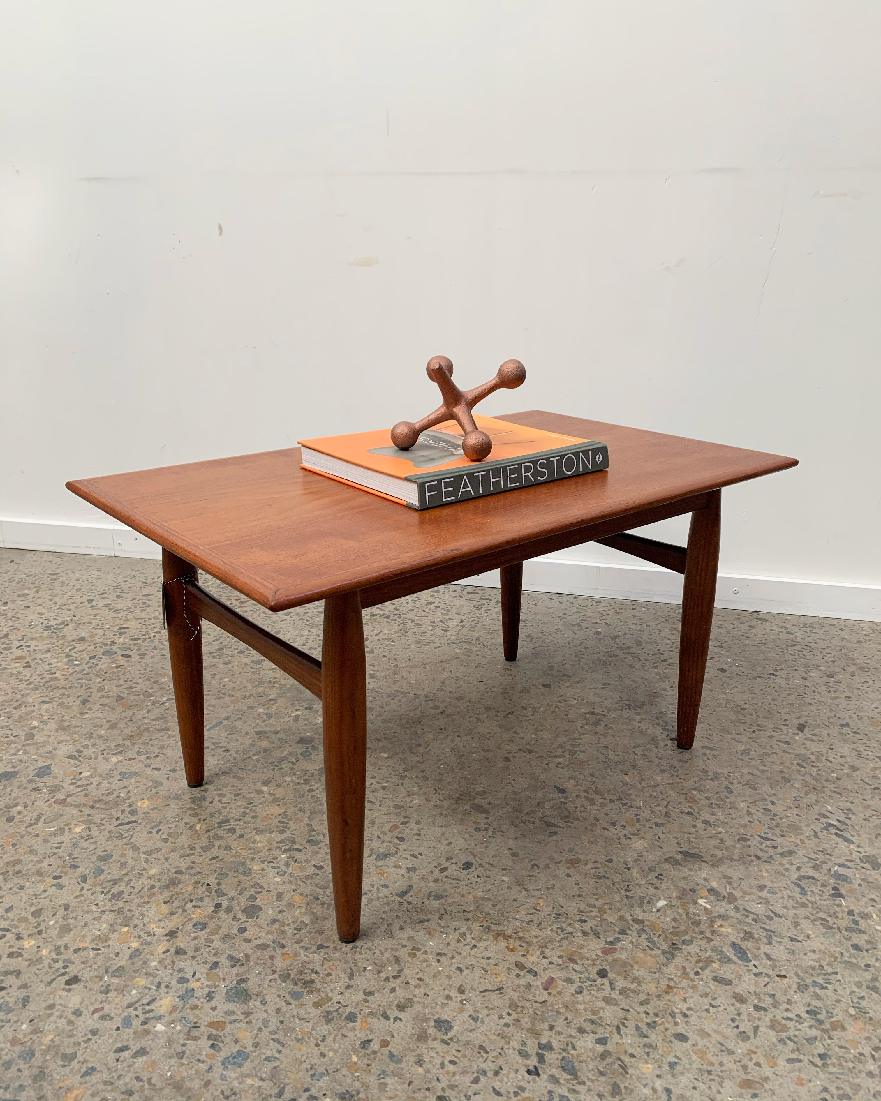 Parker Nordic small table
