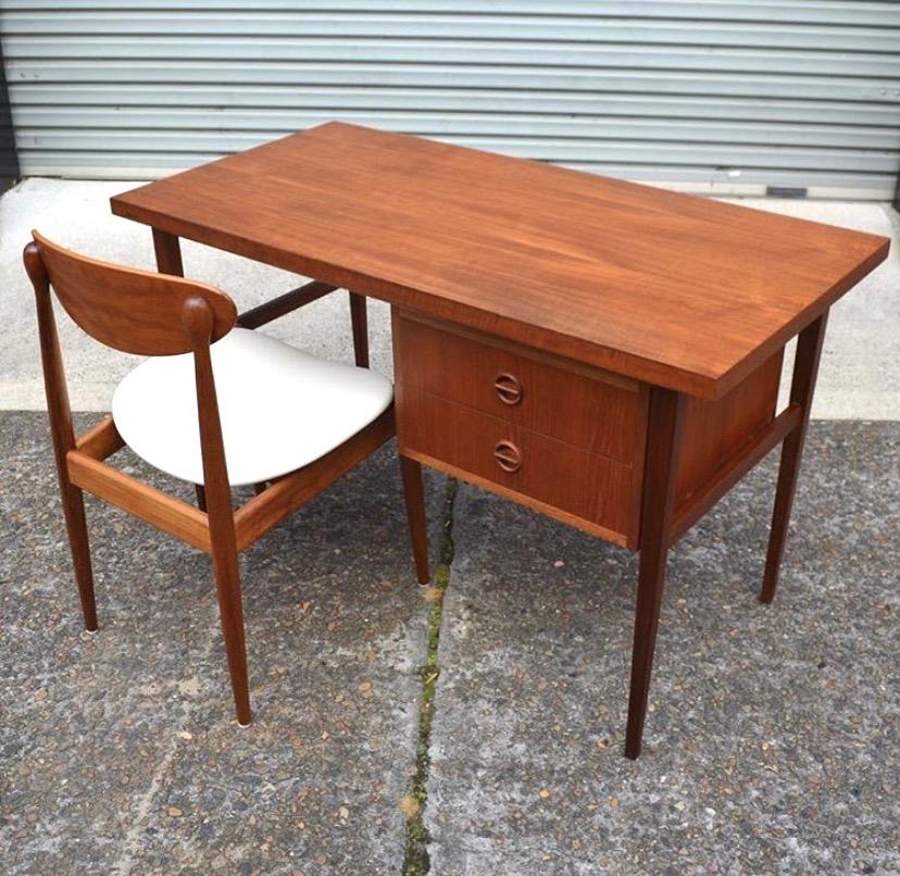 Parker 'Nordic' desk
