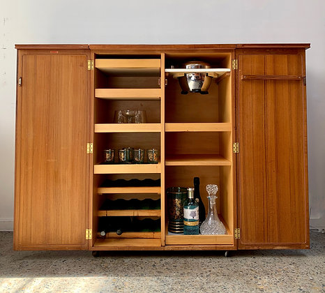 Chiswell bar/drinks cabinet