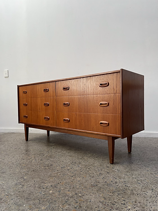 Parker 'Nordic' chest of drawers