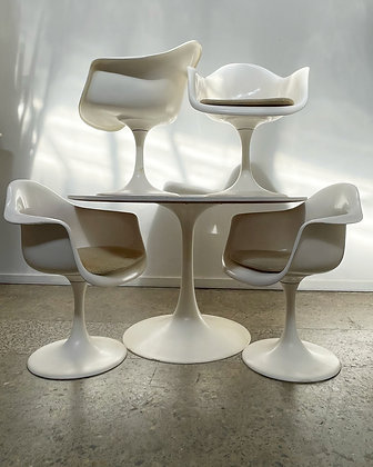Polymouldings Tulip table and chairs