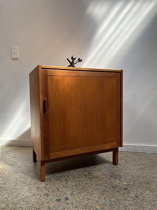 Parker cabinet/single