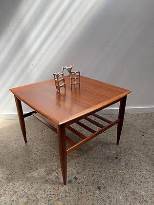 Alpa side table