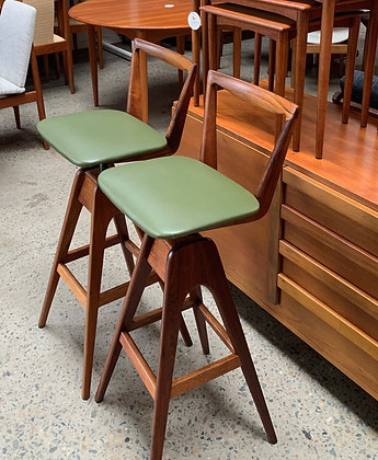 TH Brown stools, original/pair