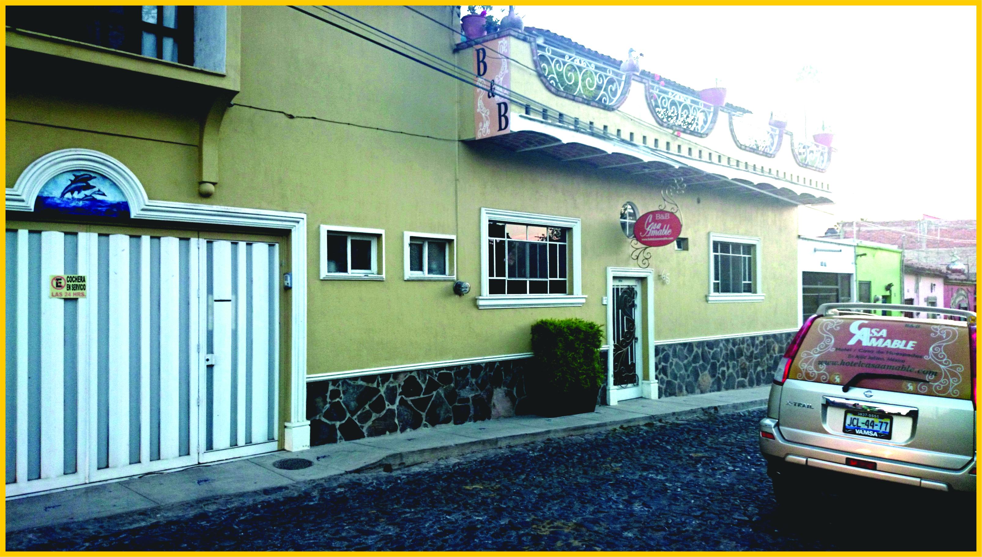 Frente Casa Amable 2015.jpg