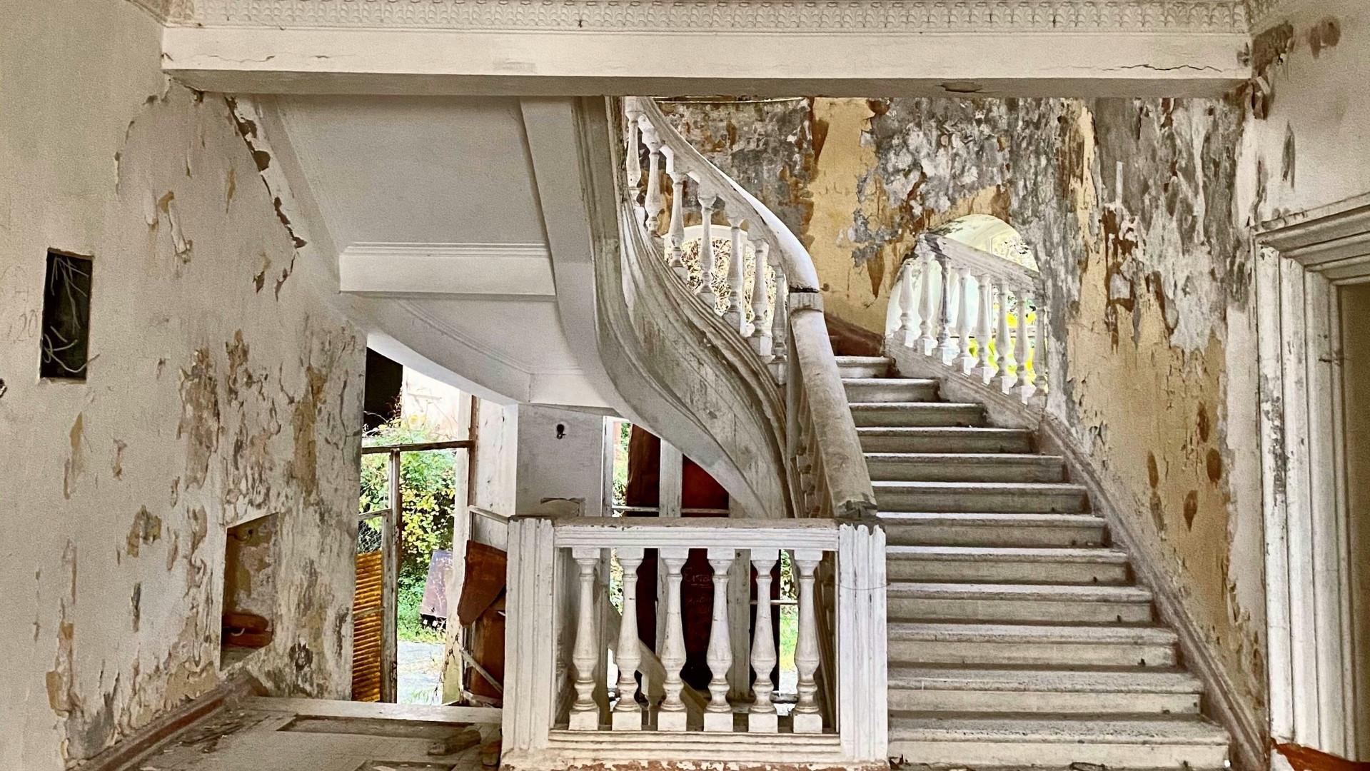 Abanded Georgia Hotel, Abkhazia