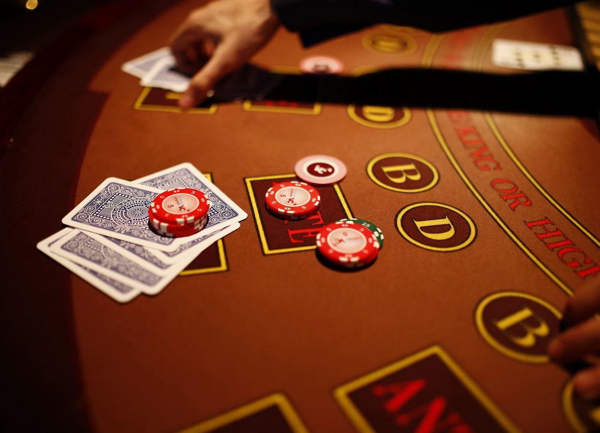 закрываем поле казино фишками