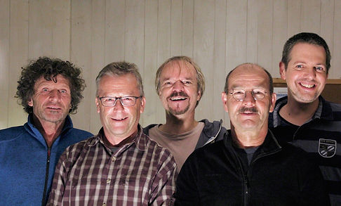 Band Foto Offiziell Has im Gras Farbig klei
