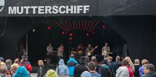 Band am Mutterschiff 2015.png