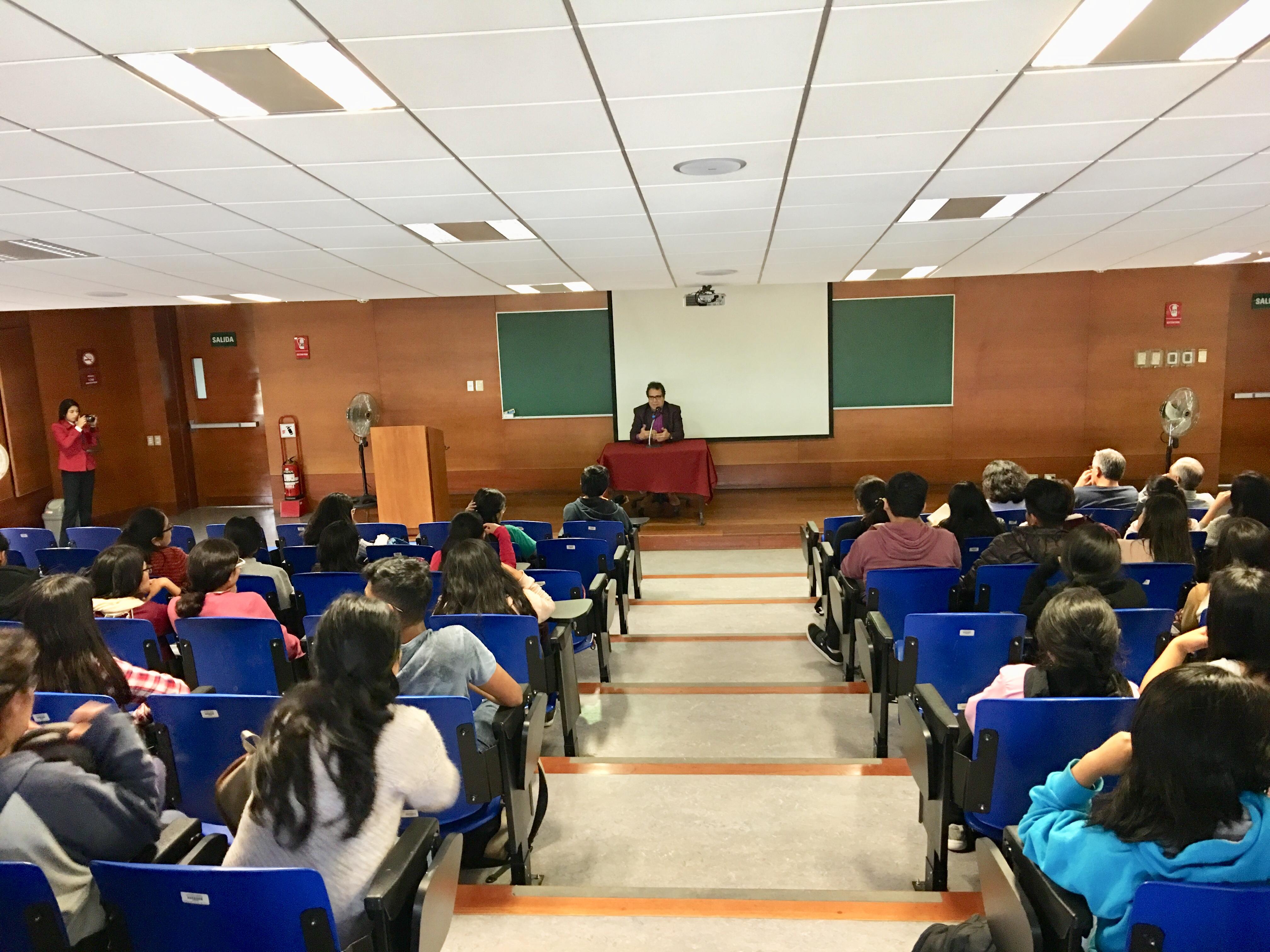 Cátedra Vargas Llosa en Lima