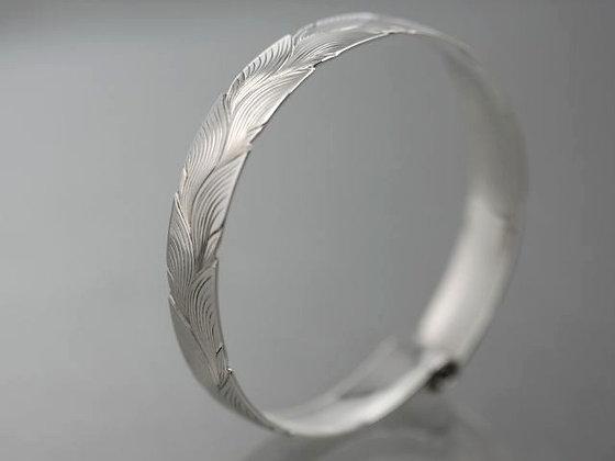 Alternating Leaf Carved Scroll Bracelet