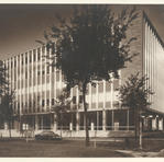 The design was praised for its modular use of concrete, glass and aluminum in a contemporary office building. Courtesy of the Milwaukee County Historical Society.