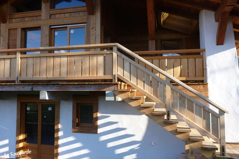 Balcons avec escaliers