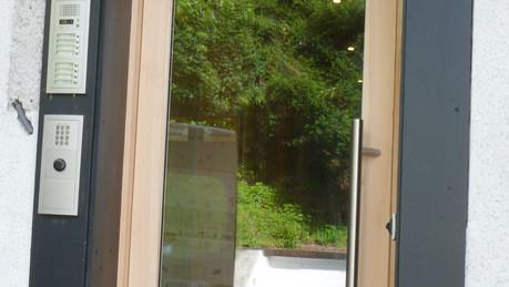 Porte bois et vitre