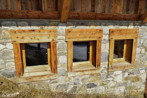 Fenêtres avec encadrements