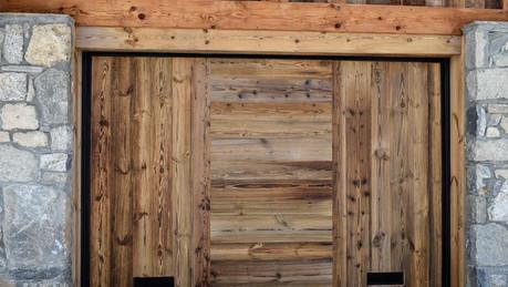 Porte de garage vieux bois