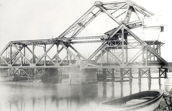 Bridge April 1919.jpg