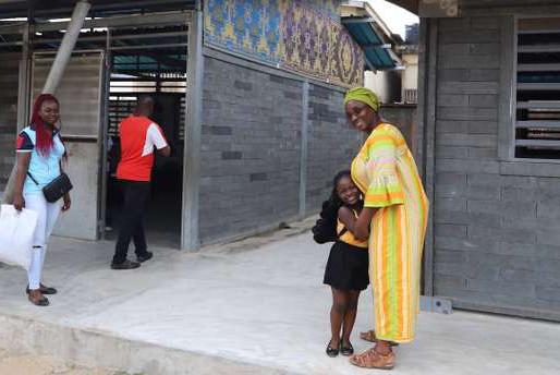 En Côte d'Ivoire, des écoles en plastique recyclé
