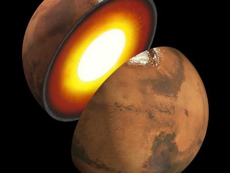 Como é o interior de Marte?