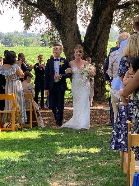 Sonoma summer winery wedding with www.iloveyoumaddly.com Beautiful July wedding