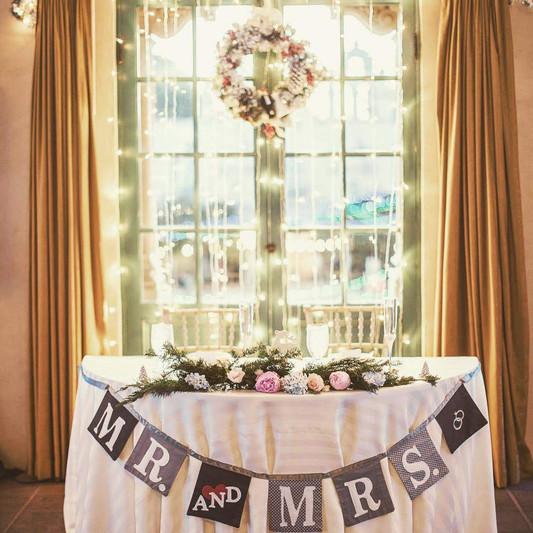 Christmas Wedding Sweetheart Table
