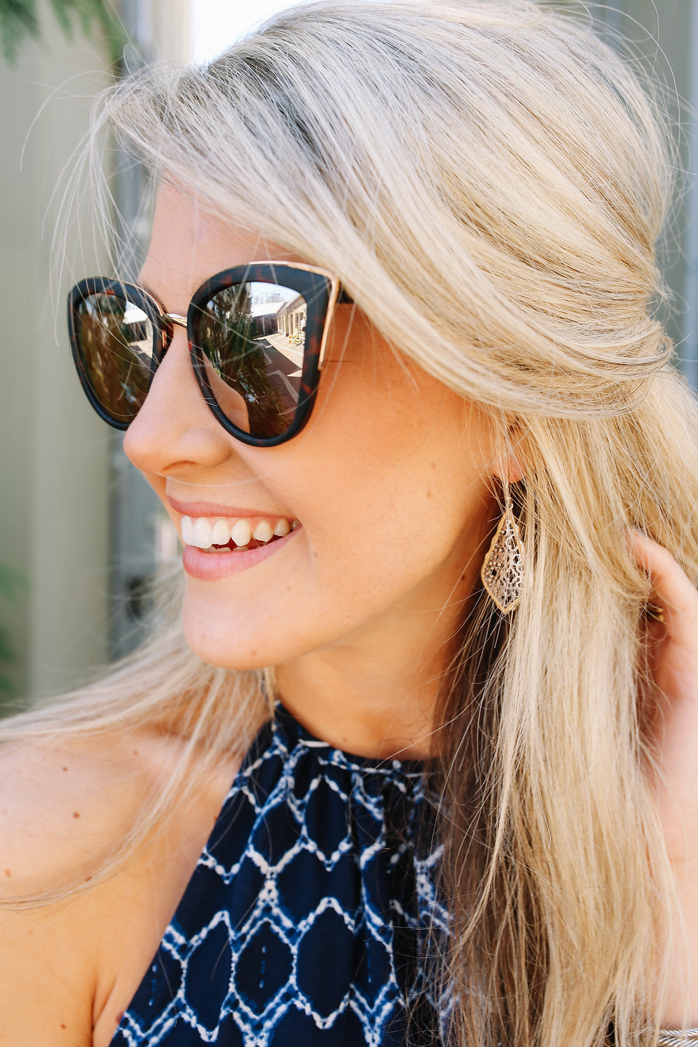 I've been obsessing over these Metal Rim Cat Eye Sunglasses from Nordstrom.  They are cute and flirty and most importantly only $12!