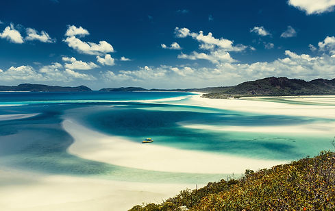 Whitehaven-beach-in-Australia.jpg