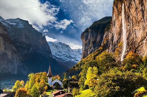 Lauterbrunnen-Valley-Switzerland.jpg