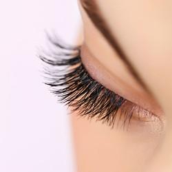 080717-long-lashes-lead