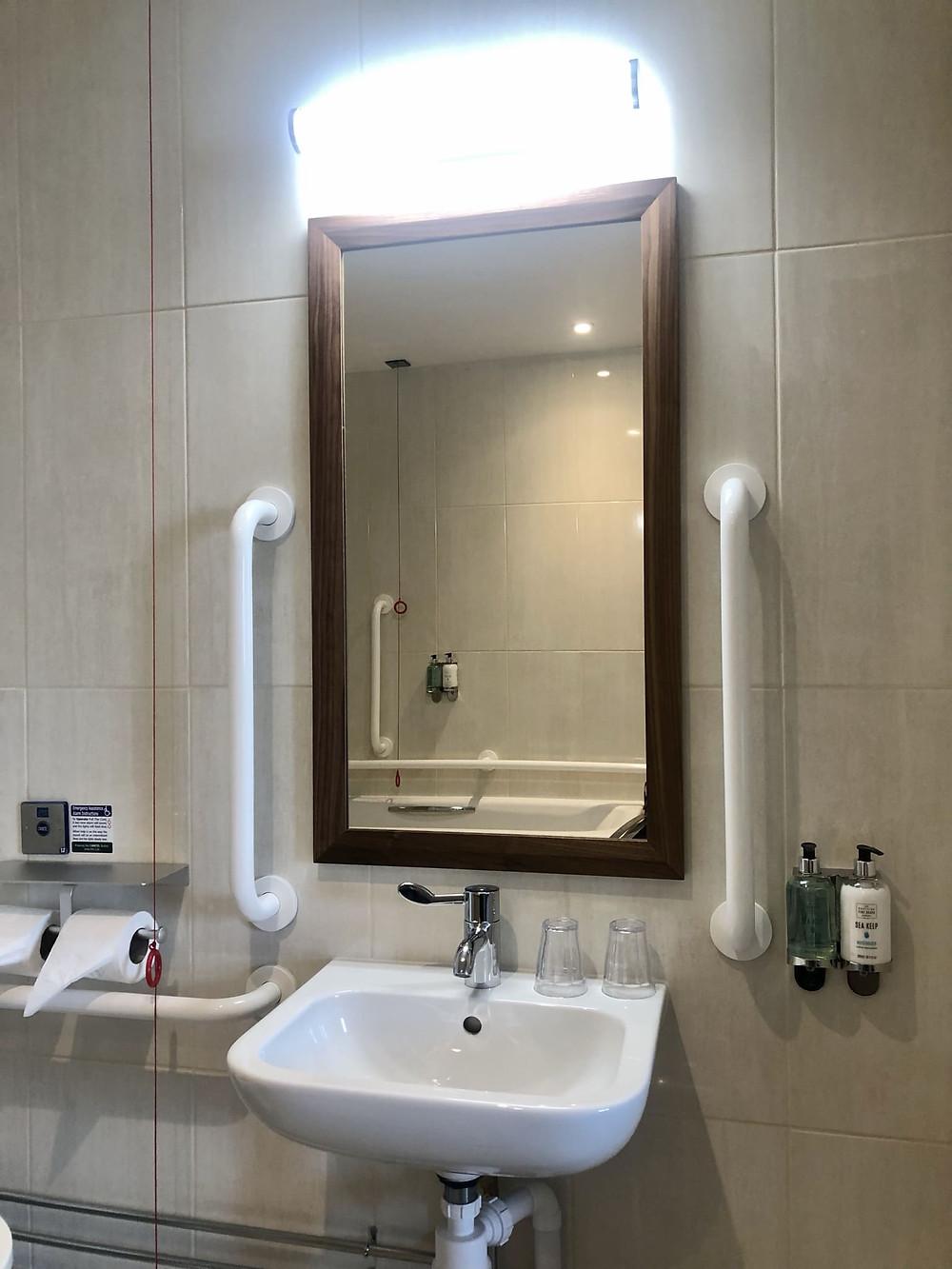 The Seaburn Inn Sunderland wheelchair accessible bathroom sink