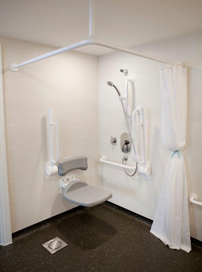 Dorsett Shepherds Bush Accessible Bathroom