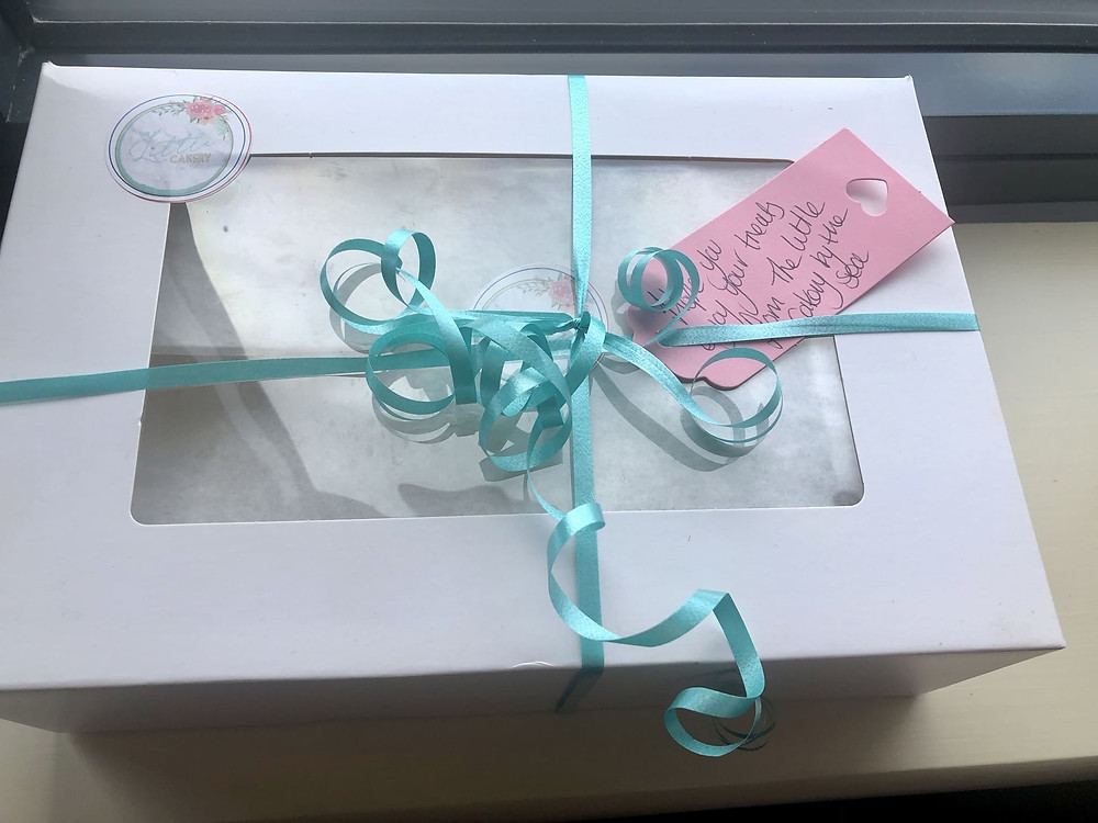 A cake box from Little Cakery by the Sea