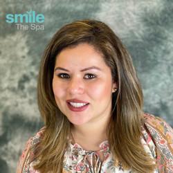 Camila smiling after Kör whitening