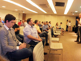 AFCOP se reúne com equipe do Projeto Etanol Verde