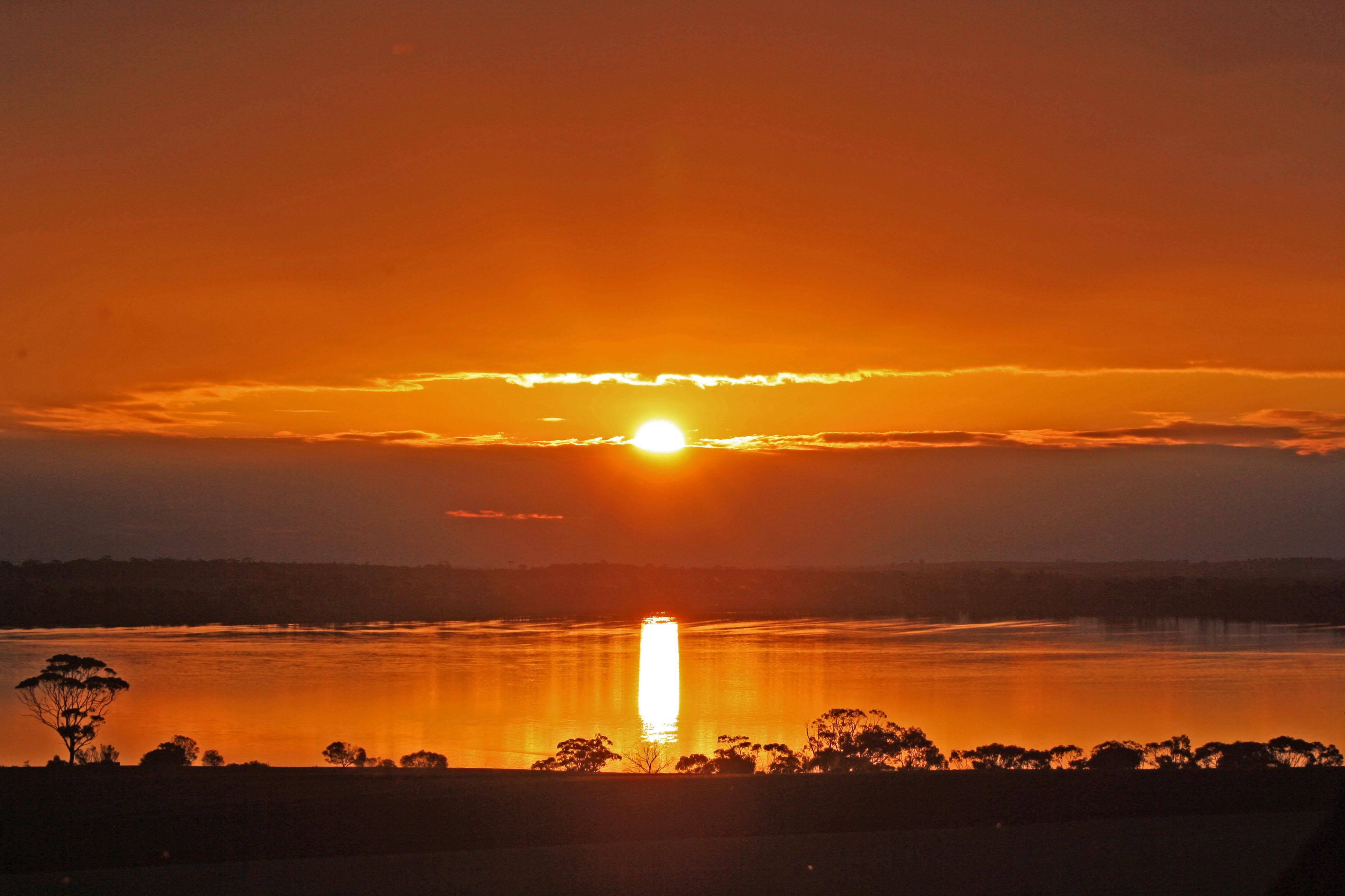 Lake Dumbleyng Sunset