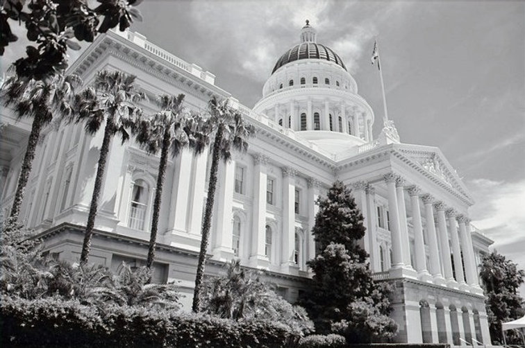 Capitol%2BBW_edited.jpg