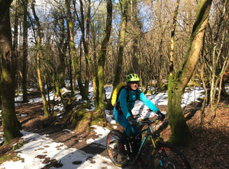 10 tips to keep warm on your mountain bike without spending a fortune
