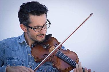 Luis Mascaro || Violinist