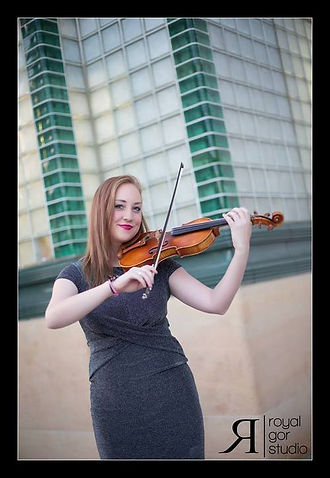 Stephanie Moorehouse || Violinist