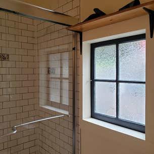 Birdhouse shower