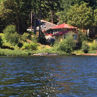 Lakeview of Vintage Cabins