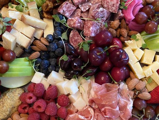 How to build a Classic Charcuterie Board