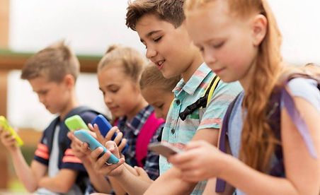 france bans cell phones at school.JPG