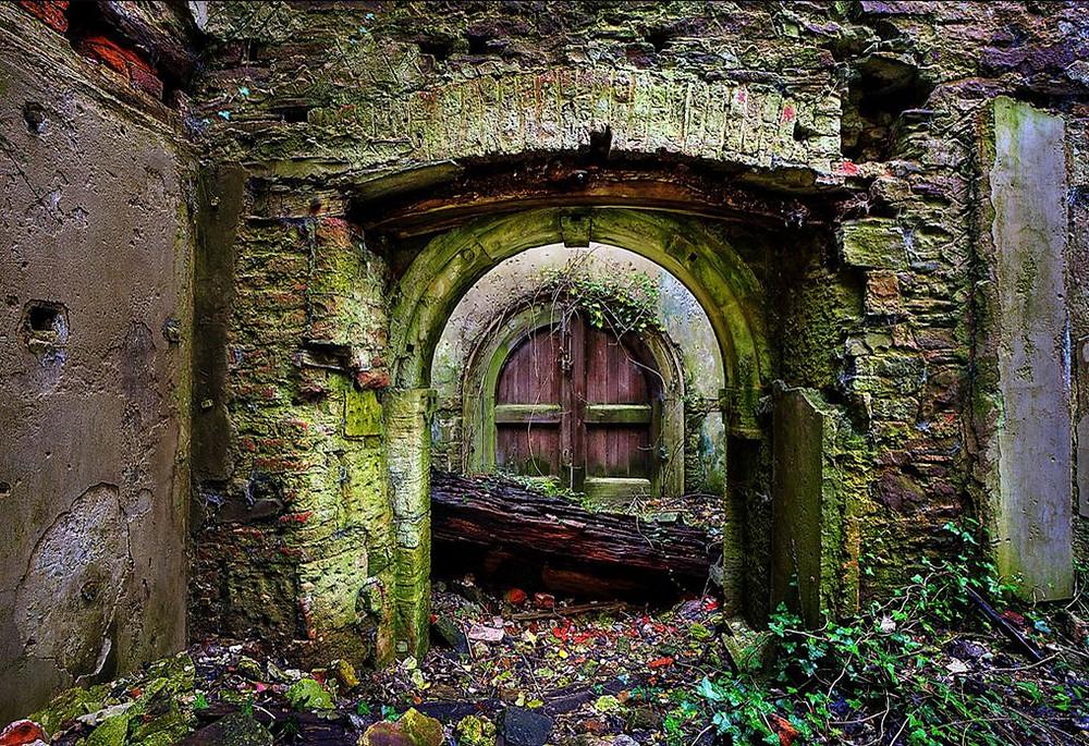 Ancient-Hobbit-Door-Wiffsmiff23.jpg