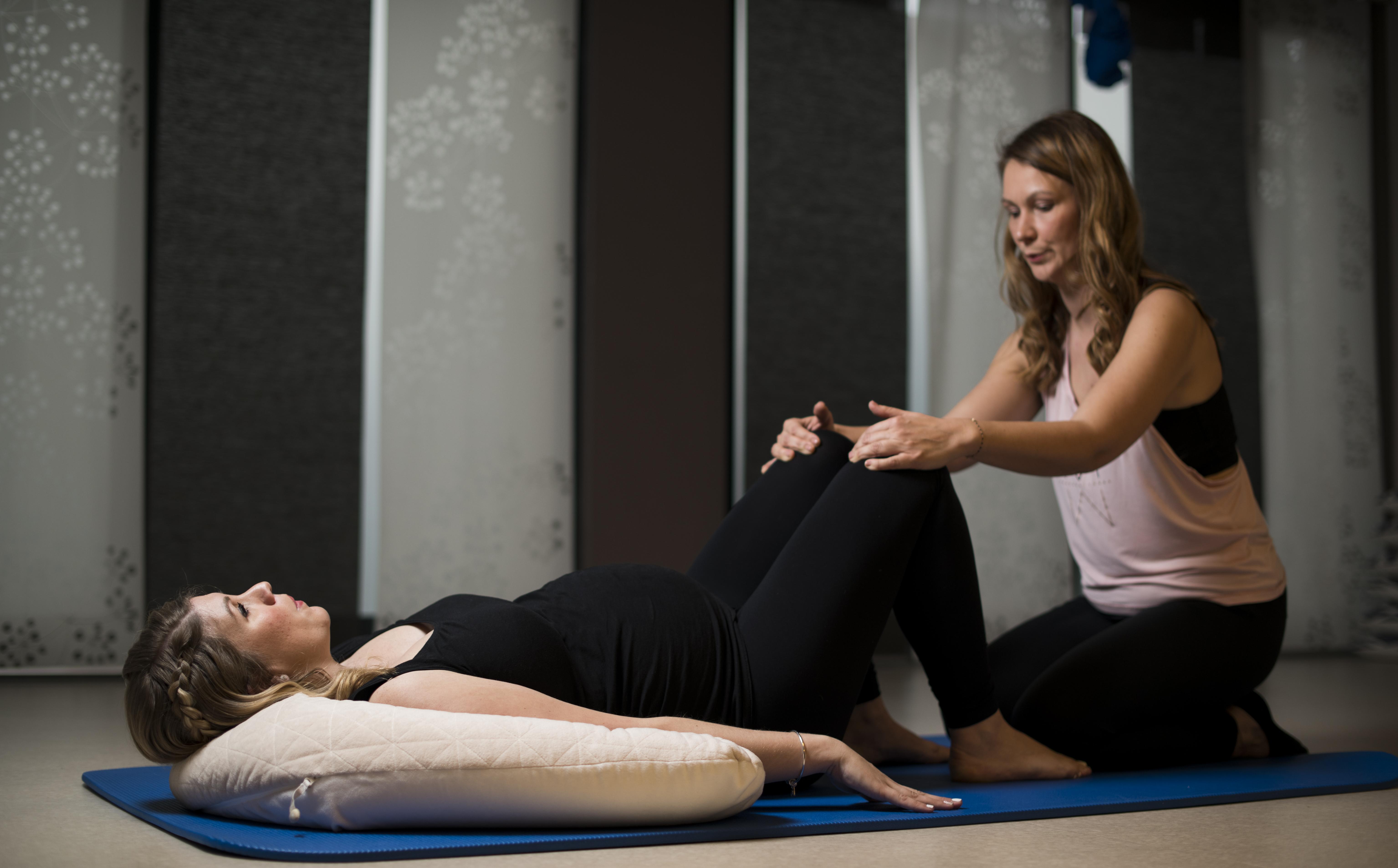 Femme enceinte exercice guidé