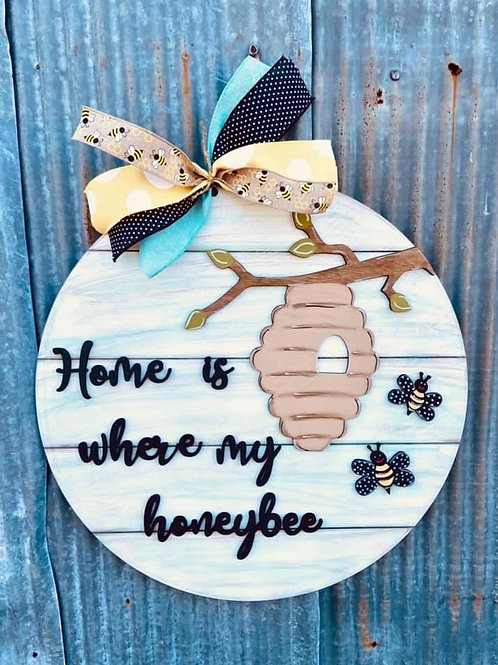wooden painted doorhanger with Bee design and theme